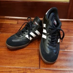Adidas shoes. Samba classic soccer shoes.